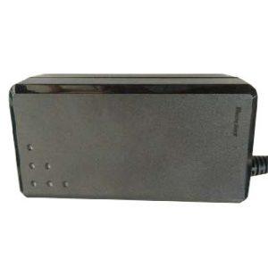 ACアダプタ 12V 5A 60W 雷サージ対策品
